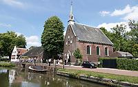Nederland Oud-Zuilen - 20208. De Vecht. Voormalig Hervormde kerk van Oud-Zuilen. Foto Berlinda van Dam / Hollandse Hoogte