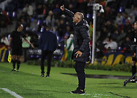PASTO - COLOMBIA, 21-02-2020: Jose Arastey técnico del Envigado gesticula durante partido por la fecha 6 como parte de Liga BetPlay DIMAYOR I 2020 entre Deportivo Pasto y Envigado F.C. jugado en el estadio Estadio Municipal La Independencia de Pasto. / Jose Arastey coach of Envigado gestures during match for the date 6 as part of BetPlay DIMAYOR League I 2020 between Deportivo Pasto and Envigado F.C. played at Municipal La Independencia stadium in Pasto. Photo: VizzorImage / Leonardo Castro / Cont
