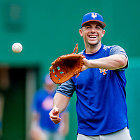 22 September 2018: New York Mets third baseman David Wright takes infield grounders during batting practice prior to a game against the Washington Nationals at Nationals Park in Washington, DC. The Nationals shut out the Mets 6-0 in the 3rd game of their 4-game series. Mandatory Credit: Ed Wolfstein Photo *** RAW (NEF) Image File Available ***