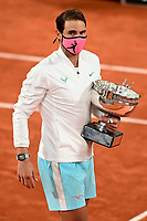 Finale Simple Messieurs - protocole podium <br /> Rafael Nadal (Esp) posant avec le trophee<br /> Parigi 11/10/2020 Roland Garros <br /> Tennis Grande Slam 2020<br /> French Open <br /> Photo JB Autissier / Panoramic / Insidefoto <br /> ITALY ONLY