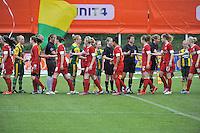 KNVB Beker Finale : ADO Den Haag - FC Twente : handshake voor de wedstrijd<br /> foto DAVID CATRY / Nikonpro.be
