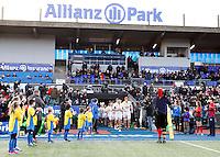 Photo: Richard Lane/Richard Lane Photography. Aviva Premiership. Saracens  v Wasps. 14/02/2016. Wasps' George Smith leads the team out at Allianz Park.