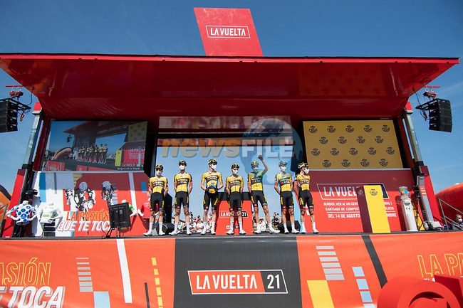 Jumbo-Visma best team from yesterday's stage at sign on before the start of Stage 16 of La Vuelta d'Espana 2021, running 180km from Laredo to Santa Cruz de Bezana, Spain. 31st August 2021.     <br /> Picture: Cxcling | Cyclefile<br /> <br /> All photos usage must carry mandatory copyright credit (© Cyclefile | Cxcling)