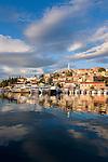 Croatia, Istria, Vrsar: tourist resort at the entrace to Lim Canal | Kroatien, Istrien, Vrsar: Urlaubsort am Eingang des Limski-Kanals