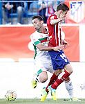 Atletico de Madrid's Gabi Fernandez (r) and Granada Club de Futbol's David Barral during La Liga match. April 17,2016. (ALTERPHOTOS/Acero)