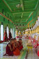 U min thone se Pagoda house some 45 Buddhas statues, Sagaing Hills, Sagaing, Myanmar/Burma