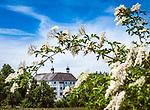 Deutschland, Bayern, Oberbayern, Chiemgau (Rosenheimer Land), Amerang: Schloss Amerang | Germany, Upper Bavaria, Chiemgau, Amerang: Amerang Castle