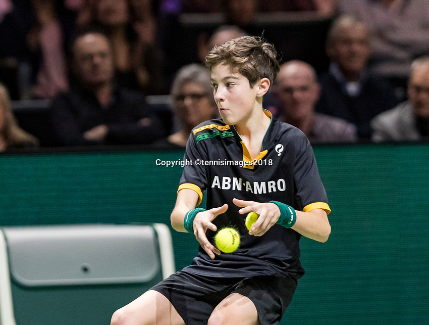 ABNAMRO World Tennis Tournament, 15 Februari, 2018, Rotterdam, The Netherlands, Ahoy, Tennis, Ballboy<br /> <br /> Photo: www.tennisimages.com