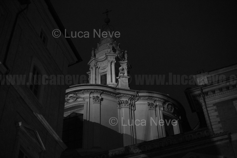 """Midnight: curfew begins...<br /> <br /> Rome, 23/10/2020. Documenting the """"curfew"""" (coprifuoco) imposed from Friday night in Rome and its surrounding Lazio Region. The local authorities tightened rules and restrictions due to a spike in the Covid-19 / Coronavirus cases. 23 October bulletins sees 19.143 new cases, 91 people died, 182.032 tests made. Today, the President of Lazio Region, Nicola Zingaretti (Leader of the Democratic Party, PD, party member of the Italian Coalition Government), imposed the night curfew, from midnight to 5AM, for 30 days (1.). A new self-certification (autocertificazione, downloadable from here 1.) is needed to leave home which is allowed only for urgent reasons, mainly work and health. Furthermore, the Mayor of Rome, Virginia Raggi, implemented """"no-go zones"""" restrictions from 9PM in some of the areas and squares of the Eternal City famous for the nightlife, including Campo de' Fiori, Via del Pigneto, Piazza Trilussa in Trastevere district and Piazza Madonna de' Monti.<br /> <br /> Footnotes & Links:<br /> 1. http://www.regione.lazio.it/binary/rl_main/tbl_news/ordinanza_regione_lazio_intesa_Ministro_salute__mod_accettate_rev1__ore_24_1_signed.pdf<br /> <br /> March 2020, Coronavirus lockdown in Rome:<br /> - 12.03.2020 - Rome's Lockdown for the Outbreak of the Coronavirus In Italy - SARS-CoV-2 - COVID-19: https://lucaneve.photoshelter.com/gallery/12-03-2020-Romes-Lockdown-for-the-Outbreak-of-the-Coronavirus-In-Italy-SARS-CoV-2-COVID-19/G0000jGtenBegsts/<br /> - 07-23.03.2020 - Villaggio Olimpico Ai Tempi del COVID-19 - Rome's Olympic Village Under Lockdown: https://lucaneve.photoshelter.com/gallery/07-23-03-2020-Villaggio-Olimpico-Ai-Tempi-del-COVID-19-Romes-Olympic-Village-Under-Lockdown/G0000D2L9l0ibXZI/"""