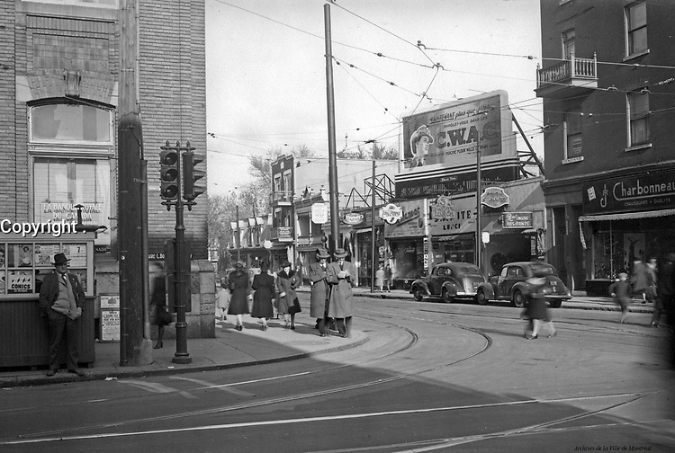 Plateau-Mont-Royal. Intersection Papineau – Mont-Royal. 1943.(détail). Archives de la Ville de Montréa