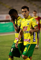NEIVA - COLOMBIA -07 -02-2015: Marcelo Bergese, jugador de Atletico Huila, celebra el gol anotado a Jaguares FC,  durante partido entre Atletico Huila y Jaguares FC, por la fecha 2 de la Liga Aguila I-2015, jugado en el estadio Guillermo Plazas Alcid de la ciudad de Neiva. / Marcelo Bergese, player of Atletico Huila, celebrates a scored goal to Jaguares FC, during a match between Atletico Huila and Jaguares FC for the  date 1 of the Liga Aguila I-2015 at the Guillermo Plazas Alcid Stadium in Neiva city, Photo: VizzorImage / Sergio Reyes / Str.