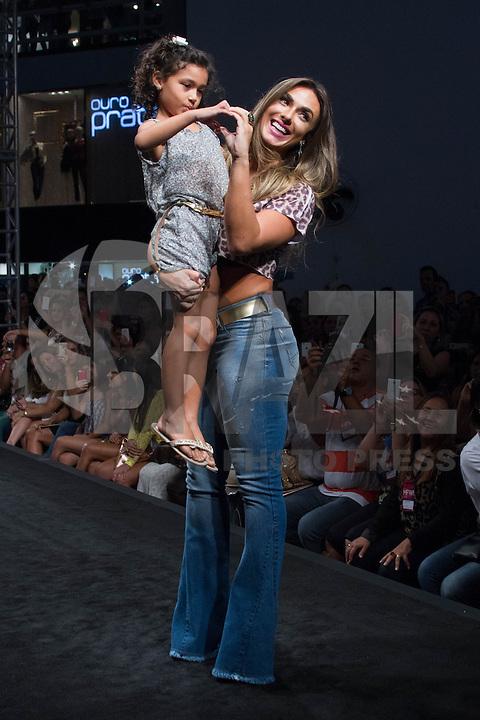 SÃO PAULO, SP, 04.03.2015 - MEGA FASHION WEEK - Nicole Bahls desfila no Mega Fashion Week, evento de moda que acontece em São Paulo (SP), na tarde desta quarta-feira (4). (Foto: Kevin David / Brazil Photo Press)