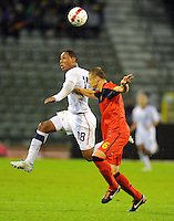 USA's Juan Agudelo (l) and Belgium's Timmy Simons fight for the ball during the friendly match Belgium vs USA at King Baudoin stadium in Brussels, Belgium on September 06th, 2011.