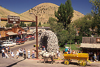 horse drawn wagon, Jackson, elk antler arch, WY, Wyoming, horse drawn wagon, Town Square Trolley picks up passengers in Town Square in downtown Jackson.