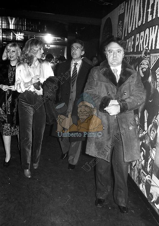 ALBERTO BEVILACQUA CON LA MOGLIE MARIANNA BUCCHICH E MARGIE NEWTON<br /> MUCH MORE CLUB ROMA 1980