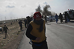© Remi OCHLIK/IP3 - Between Ajdabiya and Brega - Frontline - The rebels are being shelled by the Kadhafi forces