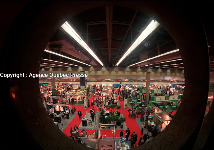 the Americana trade show on environment in Montreal, Canada, March 1999<br /> <br /> Photo : (c) Pierre Roussel, 1999 / AQP