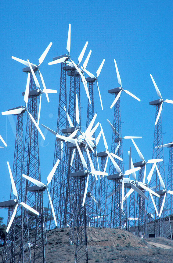 wind turbine generators Tehatchapi California