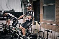 Jaco Venter (ZAF/Dimension Data) & Mark Renshaw (AUS/Dimension Data) warming up ahead of the race<br /> <br /> 104th Tour de France 2017<br /> Stage 9 - Nantua › Chambéry (181km)
