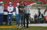 BUCARAMANGA- COLOMBIA, 19-01-2021:Guillermo Sanguinetti director técnico del Bucaramanga.Atlético Bucaramanga y el Boyacá Chicó F.C. en partido por la fecha 1 de la Liga BetPlay DIMAYOR 2021 jugado en el estadio Alfonso López  de la ciudad de Bucaramanga. /Guillermo Sanguinetti coach of Atletico Bucaramanga.Atletico Bucaramanga and Boyaca Chico F.C. in match for the date 1 as part of BetPlay DIMAYOR League 2021 played at Alfonso Lopez stadium in Bucaramanga city.  Photo: VizzorImage /Jaime Moreno / Contribuidor