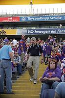 General Manager Tilman Engel unter den Fans