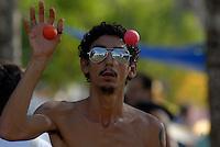 Fórum Social Mundial 2009.Milhares de participantes estão instaladas em grandes acampamentos organizados em meioa um seringal na Ufra – Universidade Federal Rural da Amazônia(um dos locais do evento) no dia de abertura do Fórum Social Mundial 2009.Foto Paulo SantosBelém, Pará, Brasil.27/01/2009
