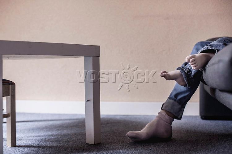 Wohnzimmersituation, Alleinerziehende mit Kind, Hartz IV, Bochum<br /> <br /> <br /> *** HighRes auf Anfrage *** Voe nur nach Ruecksprache mit dem Fotografen *** Sonderhonorar ***<br /> <br /> Engl.: Europe, Germany, Bochum, unemployment benefit, Hartz IV, unemployed, unemployment, poverty, poor, social benefits, single mother with child, living room, 29 March 2012<br /> <br /> ***Highres on request***publication only after consultation with the photographer***special fee***