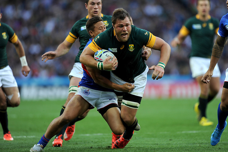 Duane Vermeulen of South Africa is tackled by Tim Nanai-Williams of Samoa during Match 15 of the Rugby World Cup 2015 between South Africa and Samoa - 26/09/2015 - Villa Park, Birmingham<br /> Mandatory Credit: Rob Munro/Stewart Communications