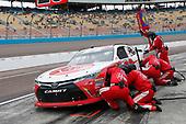 NASCAR Xfinity Series<br /> DC Solar 200<br /> ISM Raceway, Phoenix, AZ USA<br /> Saturday 10 March 2018<br /> Christopher Bell, Joe Gibbs Racing, Toyota Camry Rheem pit stop<br /> World Copyright: Matthew T. Thacker<br /> NKP / LAT Images