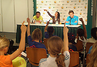 22-2-06, Netherlands, tennis, Rotterdam, ABNAMROWTT, Kidsday, kids presconference with Raemon Sluiter and Sjeng Schalken