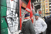 - Milan, garrison against the evacuation of the squatted house T28 and People's Clinic in Transiti street<br /> <br /> - Milano, presidio contro lo sgombero della casa occupata T28 e dell'Ambulatorio Popolare in via dei Transiti