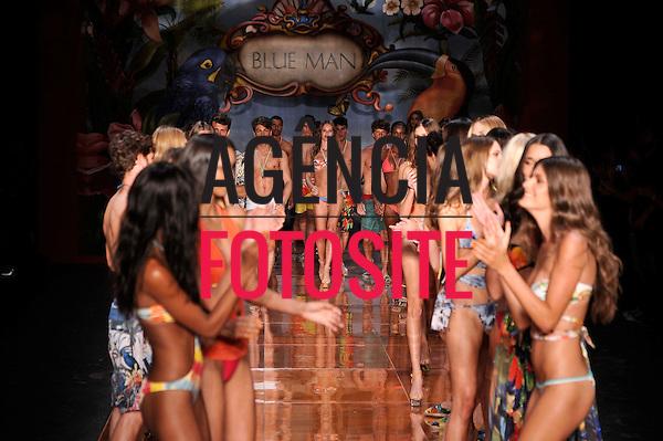 Rio de Janeiro, Brasil – 01/06/2011 - Desfile de Blue Man durante o Fashion Rio  -  Verão 2012. Foto : Ze Silvia Boriello/ Agência Fotosite