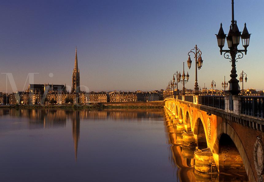 Bordeaux, Aquitaine, Gironde, bridge, France, Europe, Pont de Pierre crosses the Garonne River into the city of Bordeaux