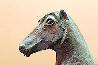 Italien, Ischia, Museum Villa Arbusto in Lacco Ameno, Pferde aus 7.-6.Jh.v.Chr. aus Pastola