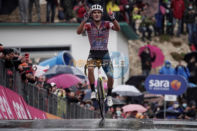 Ruben Guerreiro (POR) EF Pro Cycling wins solo Stage 9 of the 103rd edition of the Giro d'Italia 2020 running 208km from San Salvo to Roccaraso (Aremogna), Sicily, Italy. 11th October 2020.  <br /> Picture: LaPresse/Gian Mattia D'Alberto | Cyclefile<br /> <br /> All photos usage must carry mandatory copyright credit (© Cyclefile | LaPresse/Gian Mattia D'Alberto)