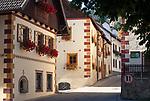 Oesterreich, Salzburger Land, Lungau, Mauterndorf: Gasse im Ortszentrum | Austria, Salzburger Land, Lungau, Mauterndorf: at village centre