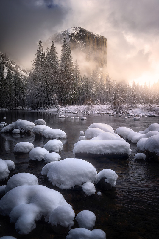 Foggy sunrise over El Capitan. Yosemite National Park, CA