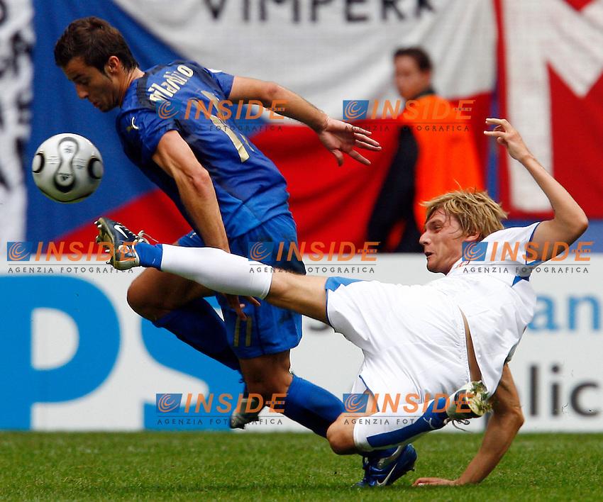HAmburg 22/6/2006 World Cup 2006.Repubblica Ceca Italia 0-2 0-2.Photo Andrea Staccioli Insidefoto.Alberto Gilardino Italy Radoslav Kovac Czech Republic