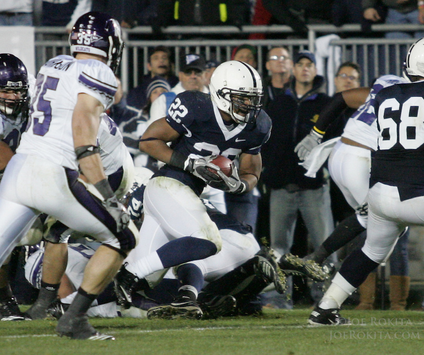 State College, PA - 11/06/2010:  RB Evan Royster carries the ball for a touchdown in the second half.  Royster carried the ball 25 times for 134 yards.  Despite trailing 21-0 in the first quarter, Penn State defeated Northwestern by a score of 35-21 at Beaver Stadium to give head coach Joe Paterno his 400th career victory...Photo:  Joe Rokita / JoeRokita.com..Photo ©2010 Joe Rokita Photography