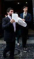 Deputati del MoVimento 5 Stelle lasciano la Camera dei Deputati dopo aver protestato sul tetto, contro la modifica dell'Articolo 138 della Costituzione, a Roma, 7 settembre 2013.<br /> UPDATE IMAGES PRESS/Isabella Bonotto