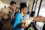 Fashion week à Mbabane, principale ville du pays. Alors que la population meurt de faim et que le taux de de VIH bat tous les record, dans les villes, une jeunesse dorée proche du pouvoir organise de somptueux évènement et vit à l'occidentale.<br /> <br /> <br /> Fashion week in Mbabane, capital of the kingdom. While the population is starving and the rate of HIV beats all the records, in the cities, a golden youth close to the political power organizes lavish event and lives in a Western style.