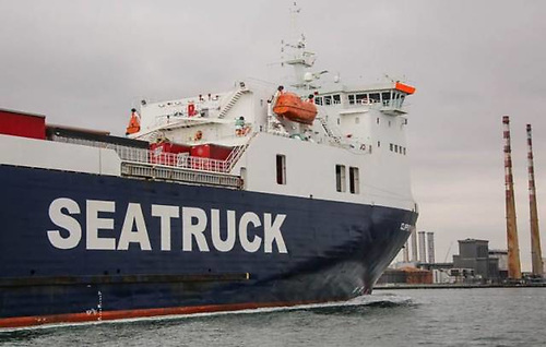 Seatruck vessel Clipper Point in Dublin
