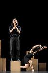 Oh !....Choregraphie : BLETON Jean Christophe..Compagnie : Les Orpailleurs..Decor : DEFROCOURT Olivier..Costumes :..Lumieres : DUGIED Frederic..Avec :..LIGERON Marina..COSTES MUSCAT Jean Philippe..Lieu : Espace Charles Vanel..Cadre :..Ville : Lagny sur Marne..Le : 13 09 2009..© Laurent PAILLIER / photosdedanse.com