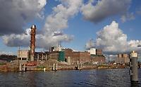 Nederland  Halfweg -  2020.  SugarCity is een terrein met een evenementenlocatie en kantoren in Halfweg in de gemeente Haarlemmermeer op het voormalige terrein van de CSM-suikerfabriek. Sinds 2000 werkt Cobraspen Vastgoedontwikkeling BV aan de herontwikkeling van het SugarCity-terrein in Halfweg tussen Amsterdam en Haarlem in. De oude suikerfabriek wordt inmiddels gebruikt als evenementenlocatie en is industrieel erfgoed.    Foto : ANP/ HH / Berlinda van Dam