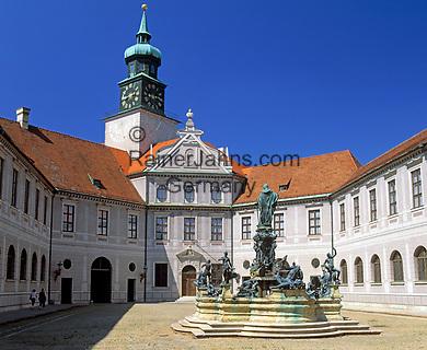 Deutschland, Bayern, Oberbayern, Muenchen: staatl. Muenzsammlung und Brunnenhof in der Residenz | Germany, Bavaria, Upper Bavaria, Munich: royal residence, fountain yard and Old Mint