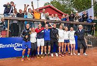 Zandvoort, Netherlands, 9 June, 2019, Tennis, Play-Offs Competition, Team Zandvoort celebrate their win over Team Naaldwijk<br /> Photo: Henk Koster/tennisimages.com