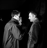 2 Décembre 1963. Vue de Georges Brassens avec une autre personne au  théâtre du Capitole. Toulouse, France.<br /> <br /> PHOTO:  Fonds André Cros,
