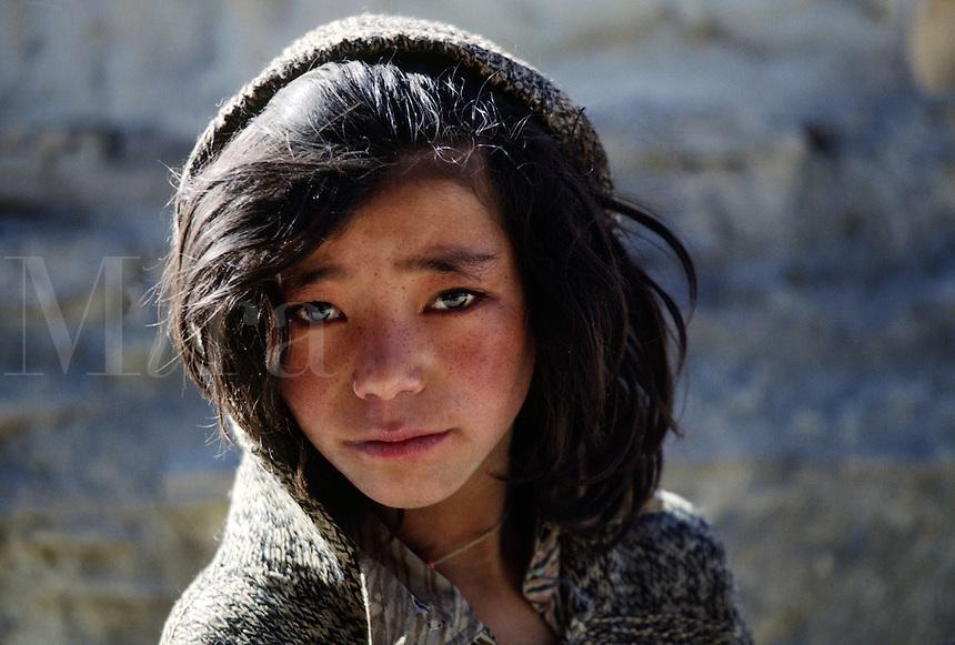 Young LADAKHI GIRL, LAMAYURU - LADAKH, INDIA.