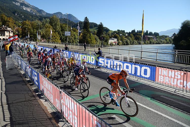 Picture by Richard Blaxall/SWpix.com - 26/09/2018 - Cycling 2018 Road Cycling World Championships Innsbruck-Tiriol, Austria - Women's Junior Race - Peloton