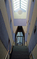 James Stirling & Michael Wilford Assoc.: Sackler Museum, Harvard University. Stairway.  Photo '88.